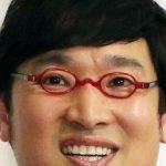山里亮太のメガネのブランドと値段は?視力の意外な秘密とメガネなし貴重画像!